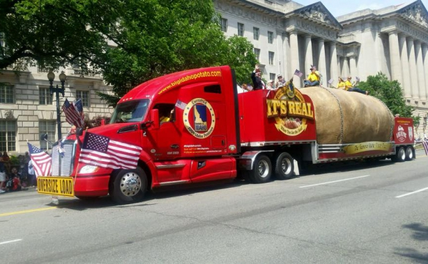 Big Idaho Potato Mermorial day Parade
