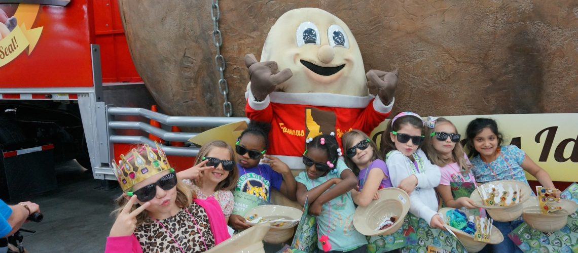 Spuddy Buddy and some Tots acting like they are 'too cool for school'